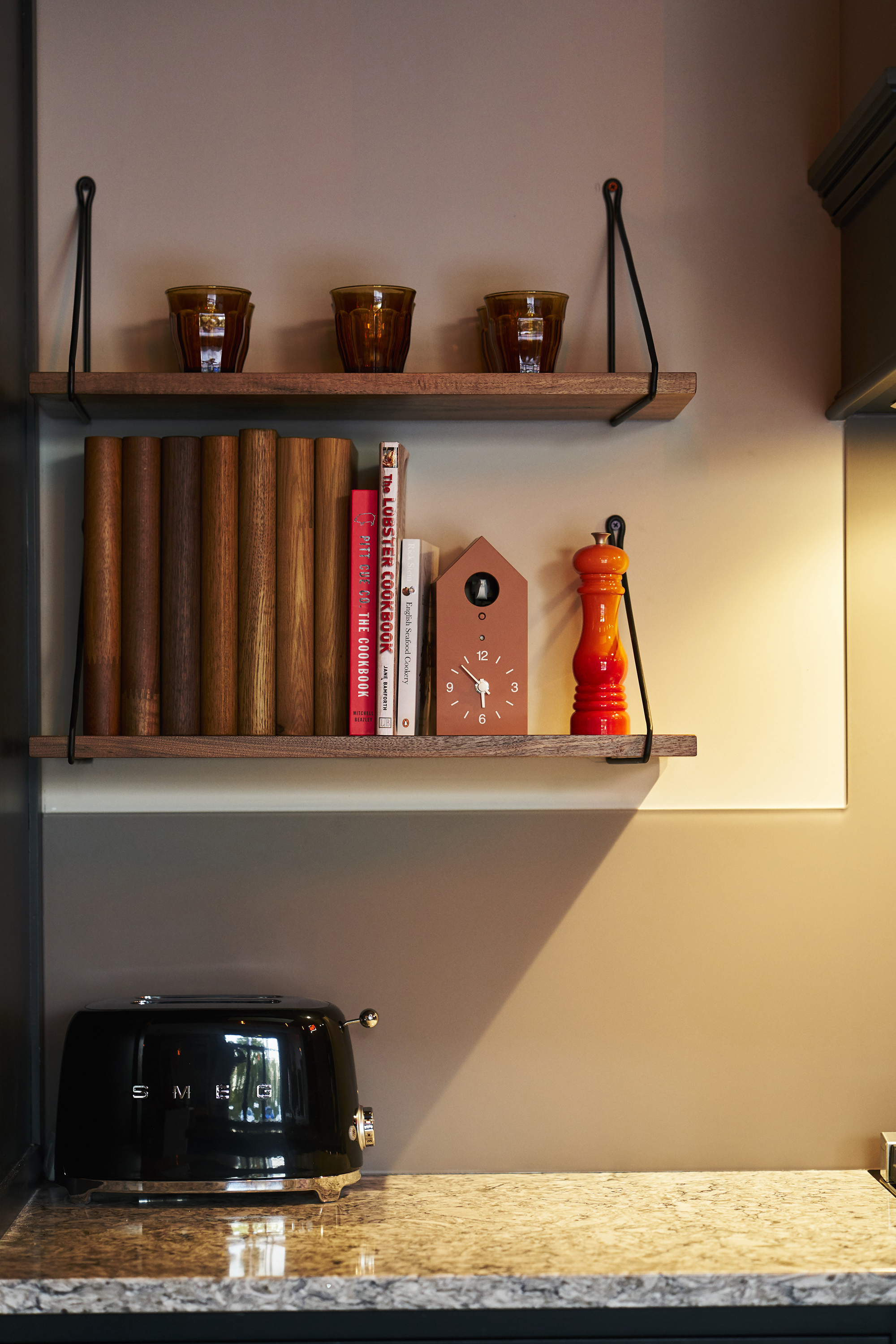 shaker kitchen shelves