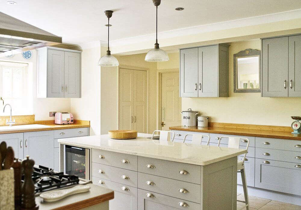 shaker painted kitchen