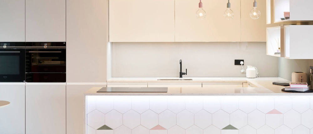 Kitchen Colours - Handleless White Kitchens Image